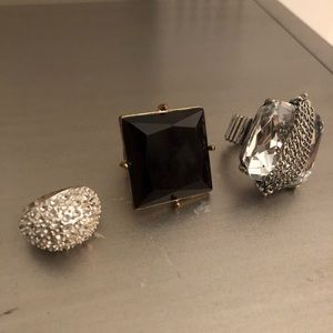 Jewelry - Bundle of rings